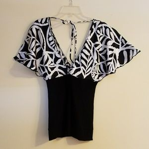 Tops - Black and whit print blouse